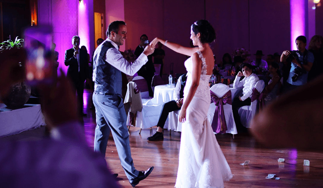 Why You Should Consider Live Wedding Music at Your Reception
